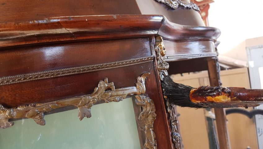 datazione mobili in legno antico